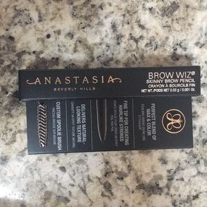 Anastasia Beverly Hills brow wiz